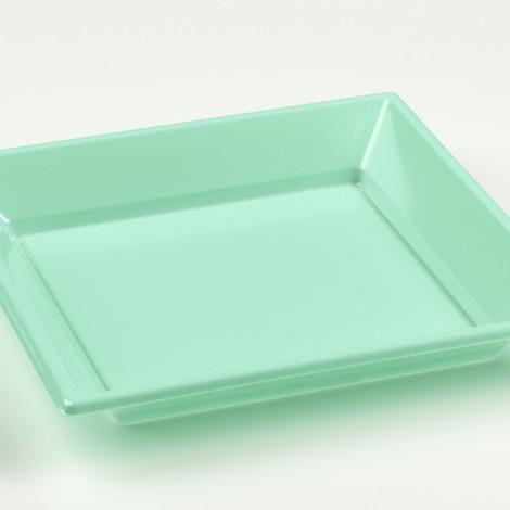 Assiettes creuses en plastique rigide de couleur bleu aqua