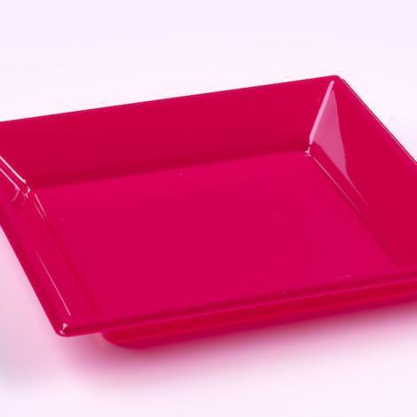 Assiettes creuses en plastique rigide de couleur fuchsia