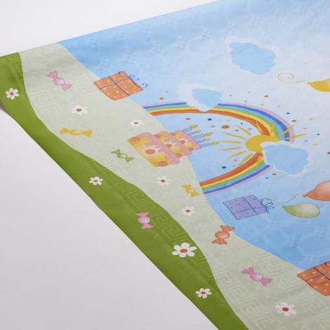 Nappe joyeuse et colorée, aux motifs bonbons, gateaux et ballons. Ideal pour habiller des tables d'anniversaire.