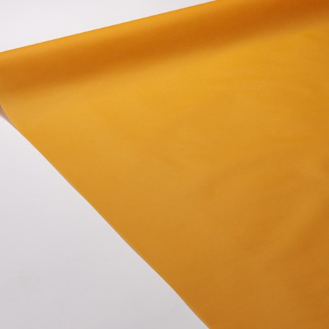 Nappe de réception de couleur mandarine pour une table punchy