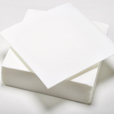 Serviettes de couleur blanches