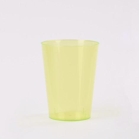 Verre en plastique de couleur vert kiwi