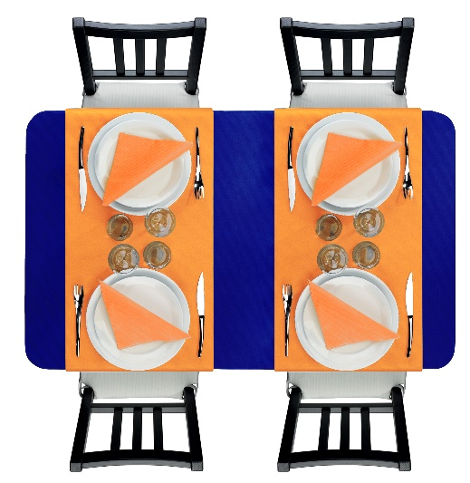 nappe bleu nuit associée à l'orange mandarine